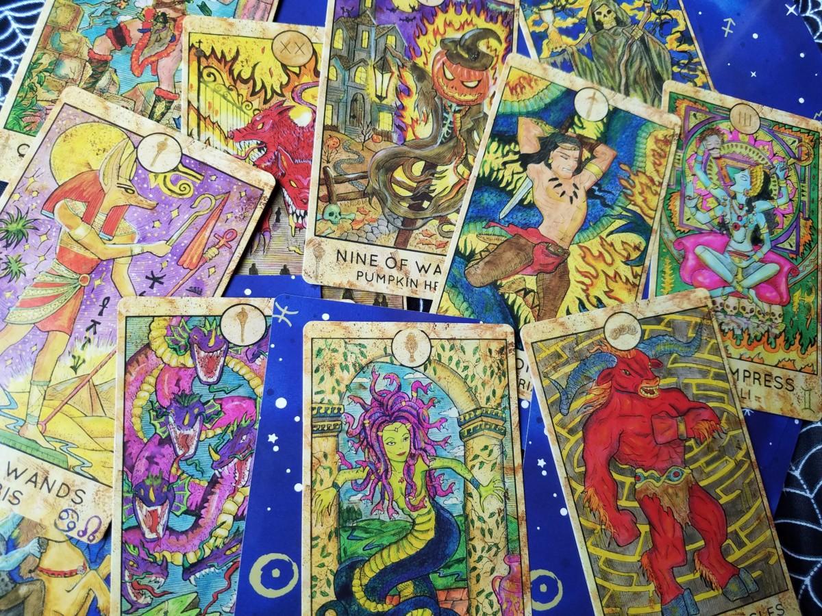 Spirit Halloween Tarot Deck